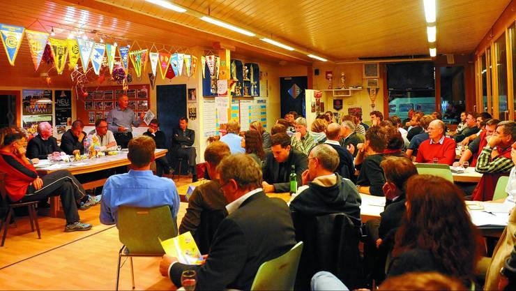 Andrang: Der Sportgipfel mit der Podiumsdiskussion zu Langenthaler Sportanlagen stiess auf reges Interesse. (Fotos: Urs Lindt)