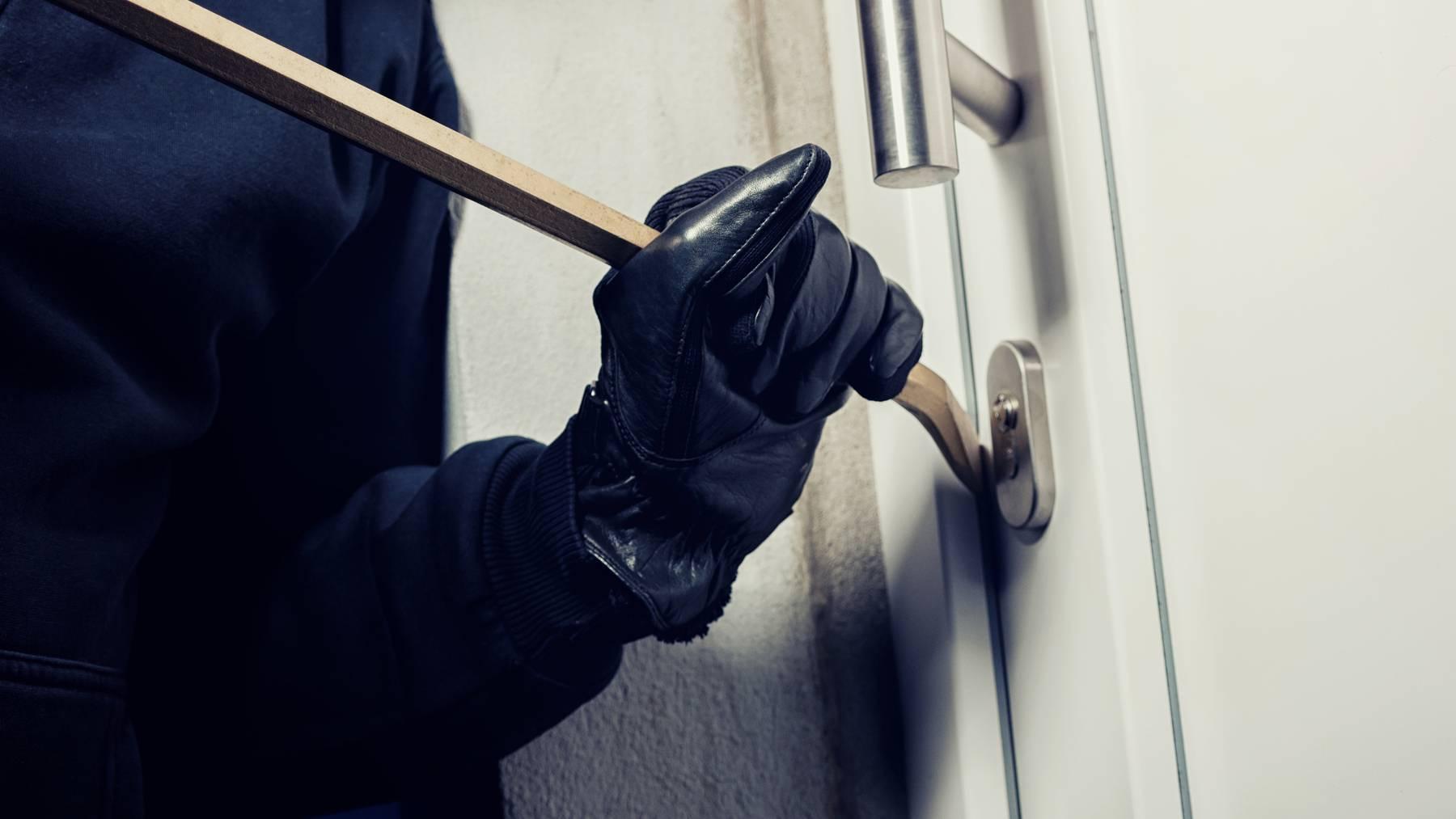 Das Schweizer Einbrecher-Duo ist für über 50 Delikte verantwortlich. (Symbolbild)