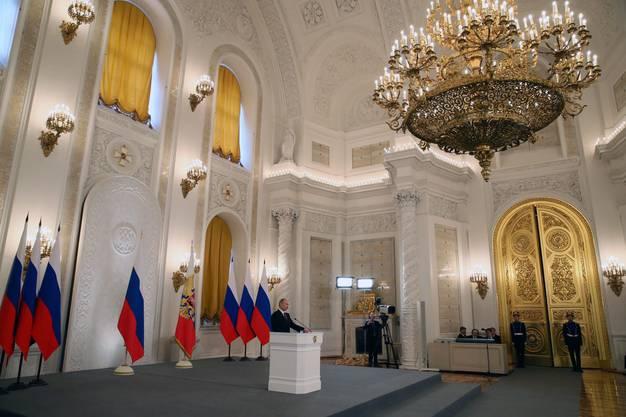 Die Rede fand im pompösen Kreml-Palast statt.