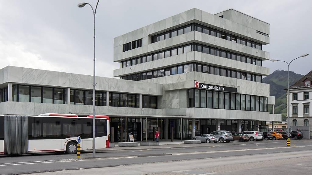 Rezession in Schwyz: Hoffen auf den Corona-Impfstoff