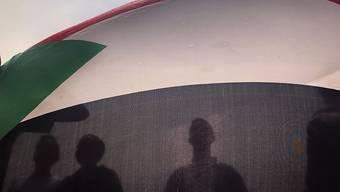 Der Militärrat und die Protestbewegung im Sudan haben ein Abkommen für die Bildung einer Übergangsregierung unterzeichnet. (Symbolbild)