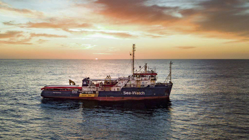 Die Sea-Watch-3 hat 47 gerettete Migranten an Bord. Noch ist unklar, wo das Schiff anlegen kann. (Archivbild)
