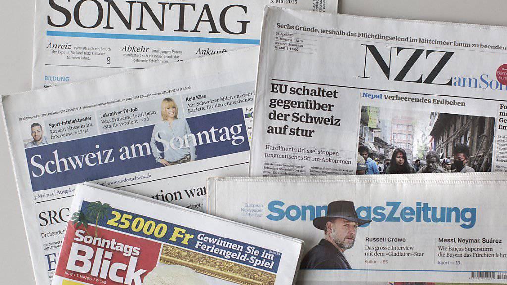 Eine Auswahl der Schweizer Sonntagszeitungen (Archivbild)
