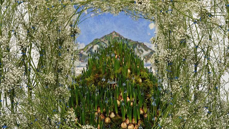 Florale Interpretation: Frank Wössner und Alessandro Palumbo, Basel Werk: Ferdinand Hodler, Der Niesen vom Heustrich aus, 1910