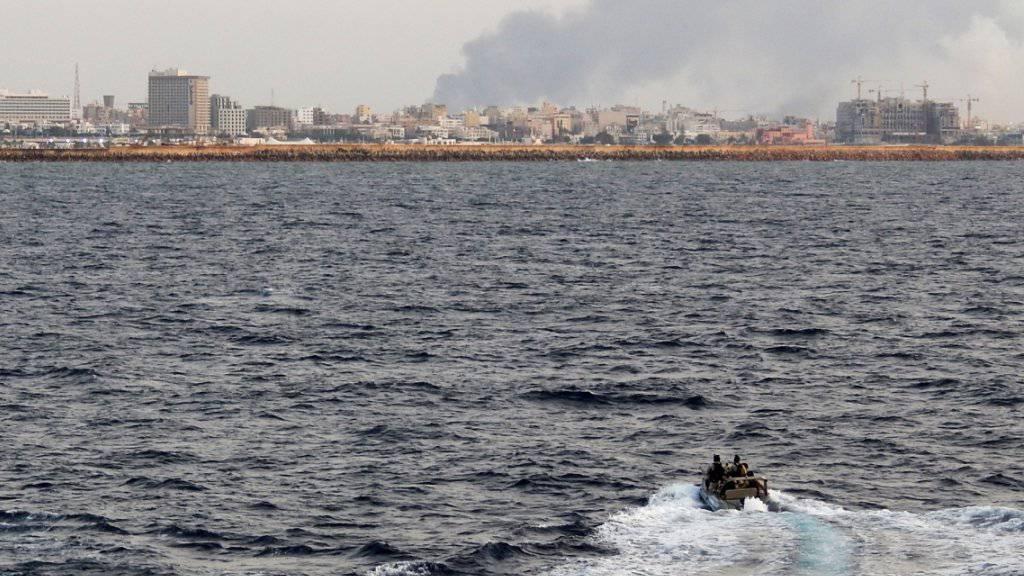 Die libyische Hauptstadt Tripolis kommt nicht zur Ruhe. Jüngst trifft eine Rakete Zivilisten an einem Stadtstrand. (Archivbild)