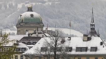 Historische Schneemenge im Mai: Bern mit der Bundeshauskuppel am Sonntagmorgen.