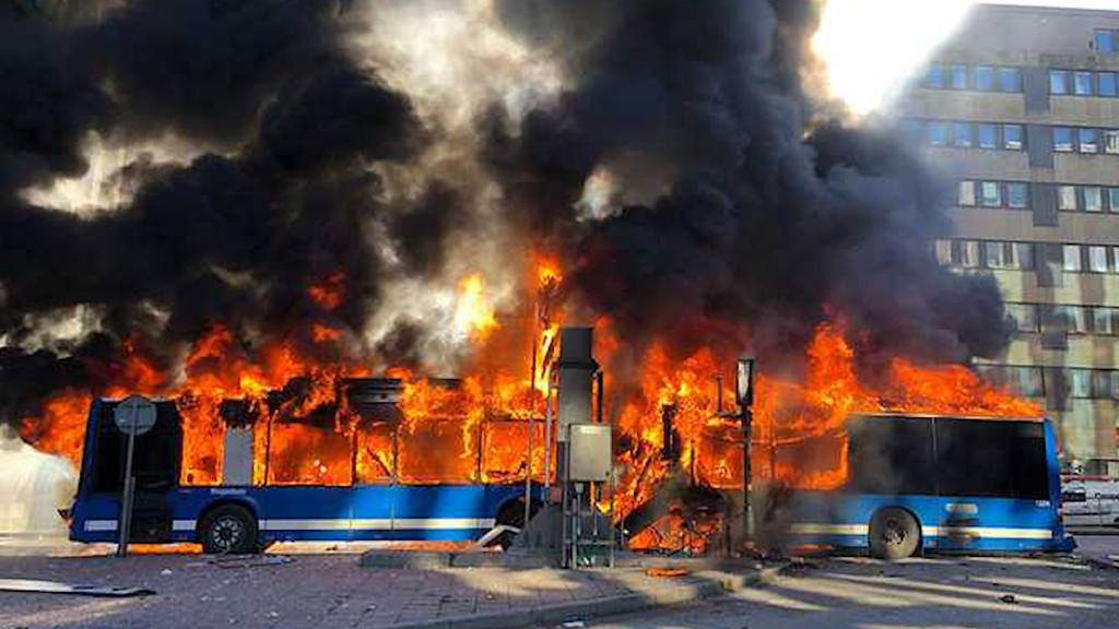 Bus explodiert im Zentrum von Stockholm