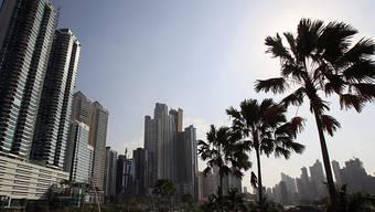 Schluss mit Steuerparadiesen für Geldwäscher und andere Parasiten der Gesellschaft - die britische Regierung will durchgreifen. Enthüllungsjournalisten haben dafür Vorarbeit geleistet, zum Beispiel mit den so genannten Panama Papers (Aufnahme von Panama City vom April 2016).