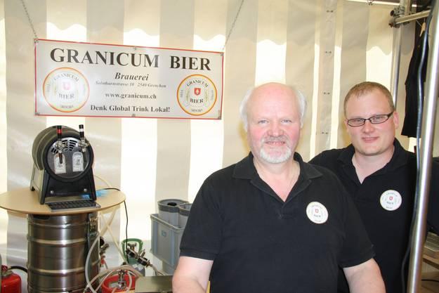 Toni und Roger Lötscher von der Grenchner Brauerei Granicum