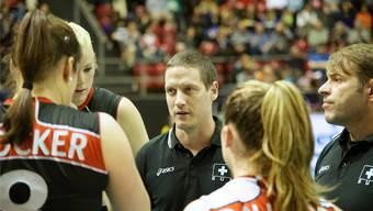 In Polen gefordert: Timo Lippuner (M.) will in der 3. Runde zur WM-Qualifikation mit der Schweizer Frauen-Nationalmannschaft überzeugen.Tuor