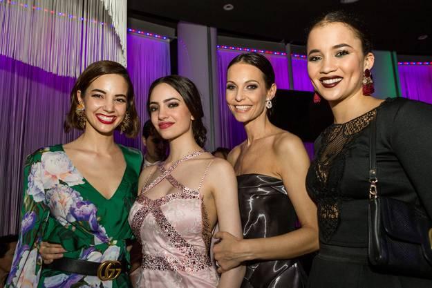 Die Ex-Missen Laetitia Guarino (2014), Anita Buri (1999) und Whitney Toyloy (2008) mit Jastina Doreen.