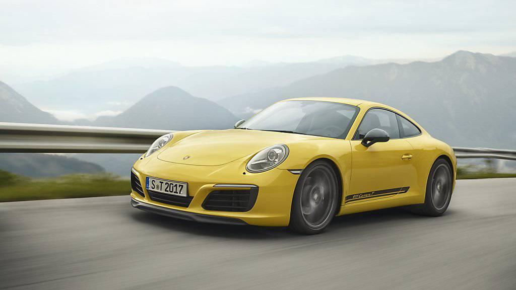 Die Volkswagen-Tochter Porsche hat im vergangenen Jahr dank eines starken Abschneidens in China einen neuen Verkaufsrekord erzielt. (Archiv)
