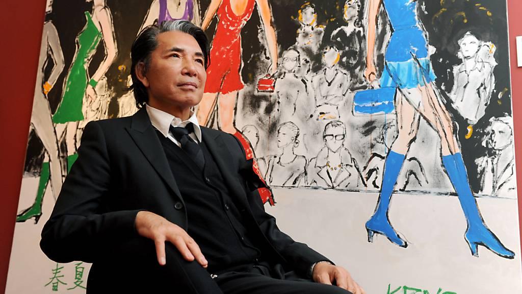 Der japanische Modeschöpfer Kenzo Takada in München im Jahr 2008. Takada starb in Paris an den Folgen einer Covid-19-Erkrankung.