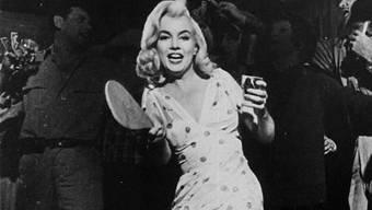 """Monroe in einer Drehpause von """"The Misfits"""" (1960, United Artists)"""