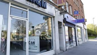 M&M Hair Academy in London: Das Plakat wurde abgehängt