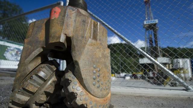 Ausrangierter Bohrkopf auf dem Gelände des Geothermieprojektes