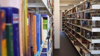 Die Platzverhältnisse in der Stadtbibliothek Brugg sind eng.