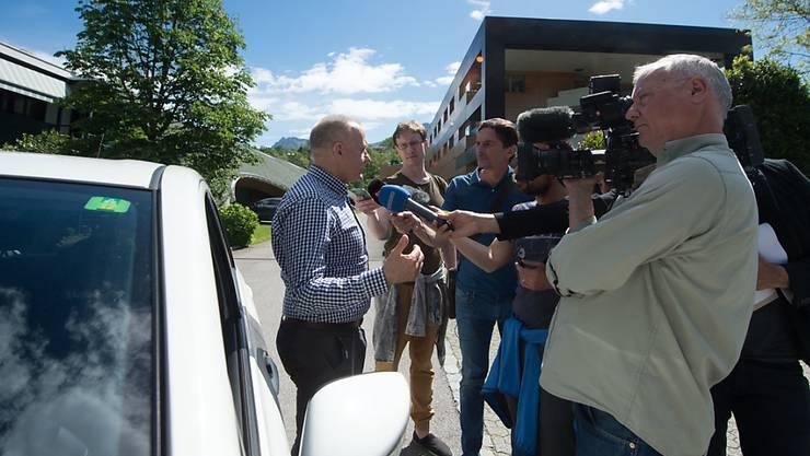 Bei einem Treffen mit Arbeitnehmern und Gewerkschaften wurde angekündigt, dass Kering 400 Arbeitsplätze nach Italien verlegt: Giovanni Scolari von der Gewerkschaft OCST.