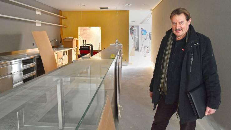 Alex Heuberger in der noch nicht ganz fertigen Takeaway-Abteilung von Olivo, dem neuen italienischen Restaurant an der Baslerstrasse.