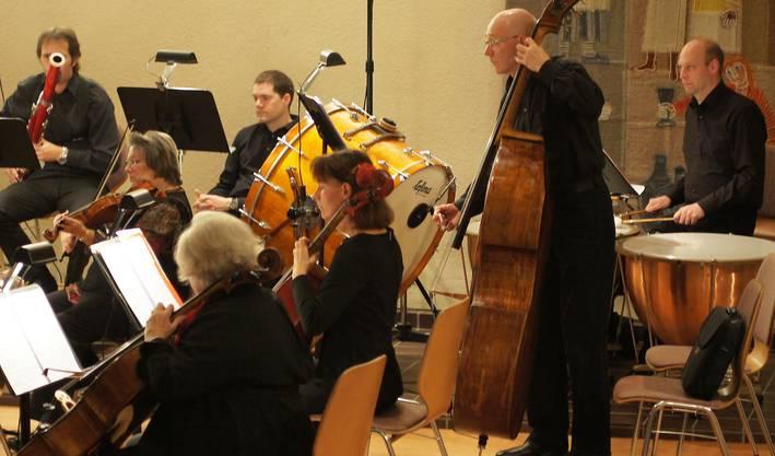 Das Collegium Musicum Urdorf konzentriert bei der Sache