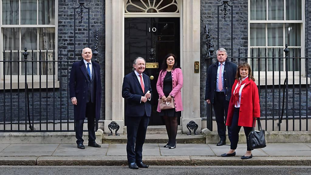 Nach Sanktionen von China: Johnson empfängt betroffene Abgeordnete