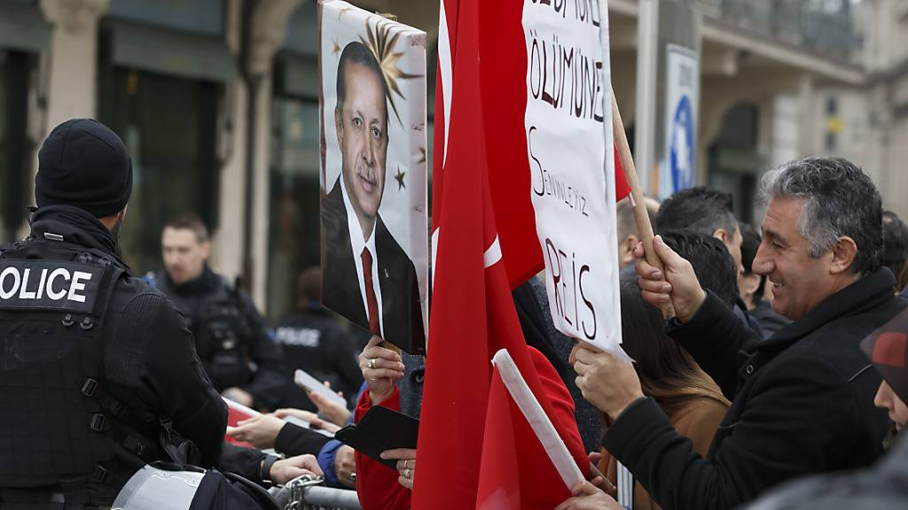 Verstärkter Luftpolizeischutz während Flüchtlingsforum in Genf