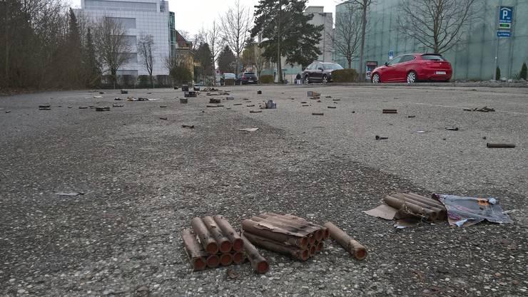 Abfallchaos nach dem Feuerwerk