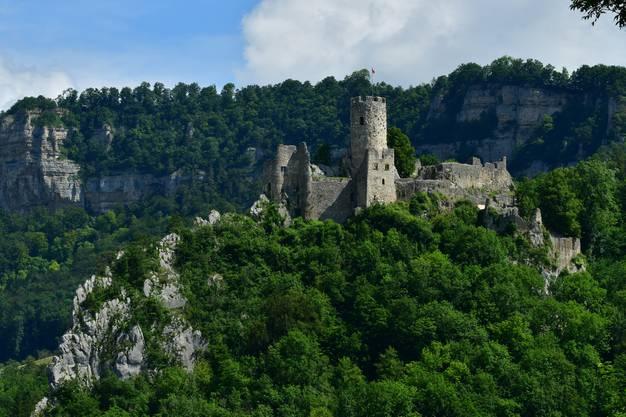 Sie steht auf dem östlichen Bergrücken nördlich von St. Wolfgang an der Klus nach Mümliswil.