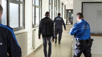 Weniger Asylgesuche, dafür mehr Dublin-Fälle beschäftigen die Schweiz.Gaetan Bally/Key