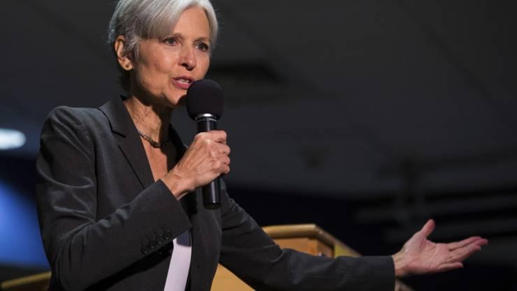 Ein Gericht verlangt eine Million US-Dollar als Kaution für die Neuauszählung der US-Präsidentschaftswahl in Pennsylvania. Das ist Grünen-Kandidatin Jill Stein zu viel. Sie zog ihren Antrag zurück. (Archivbild)