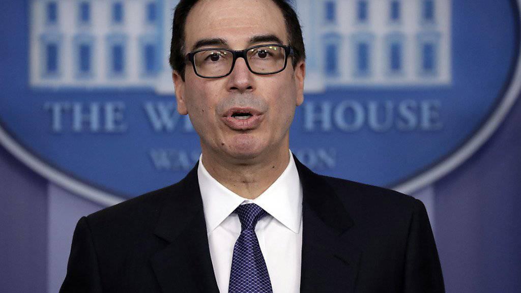 Die US-Sanktionen sollen laut Finanzminister Mnuchin in Kraft bleiben, bis in Venezuela eine Übergangsregierung oder eine demokratisch gewählte Regierung in im Amt ist.
