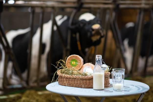 Aus der Milch wird beispielsweise auch Käse hergestellt, welcher anschliessend in Solothurn verkauft wird.