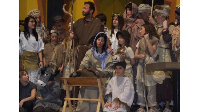 Dauerbrenner an Weihnachten: Paul Burkhards «Zäller Wiehnacht». Aufführung 2009 in der Kirche St. Michael in Ennetbaden (Leitung Röbi Egloff, Paolo Vignoli). Foto: Lukas Bertschi