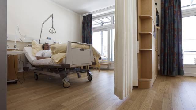 Ein Spitalaufenthalt kostete ein Siebtel mehr als 2012 (Symbolbild)