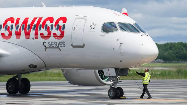 Die C-Series-Flotte der Swiss für Kurz- und Mittelstreckenflüge muss untersucht werden. (Bild: Graham Hughes/Keystone)