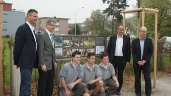 Schreiner schenken Wettingern Parkbank