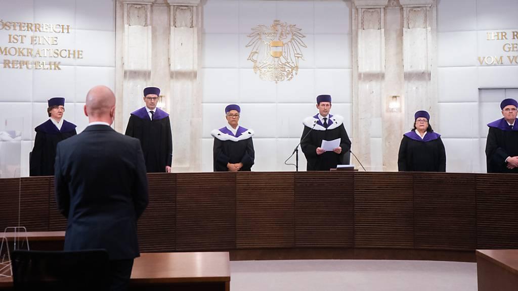Die Juristen des Verfassungsgerichtshof (VfGH). Foto: Georg Hochmuth/APA/dpa