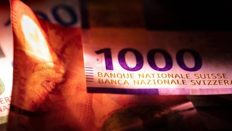 Die eidgenössische Finanzkontrolle muss prüfen, ob die wirtschaftliche Soforthilfe des Bundes am richtigen Ort eintrifft.