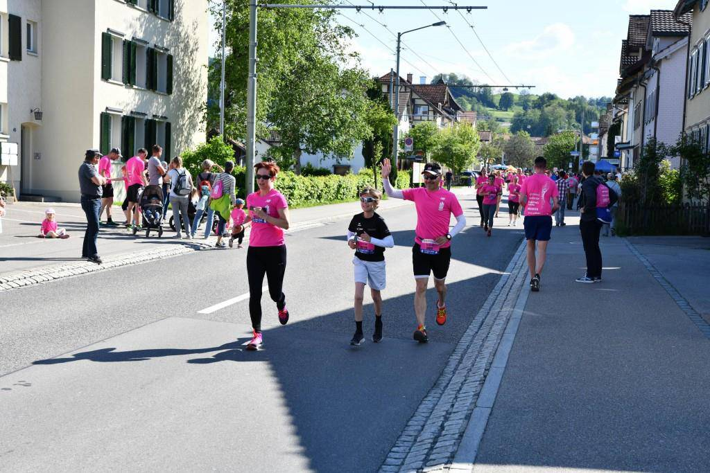 Alle Bilder vom 10km-Lauf und vom Nordic Walking (© FM1Today / Stefanie Rohner und Michael Kuhn)