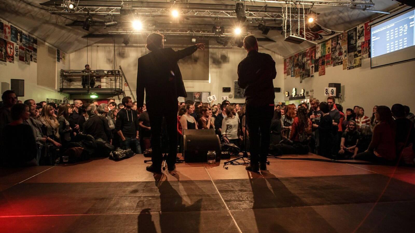 Die Poetry Slam Schweizer Meisterschaften sind 2016 zum zweiten Mal in St.Gallen.