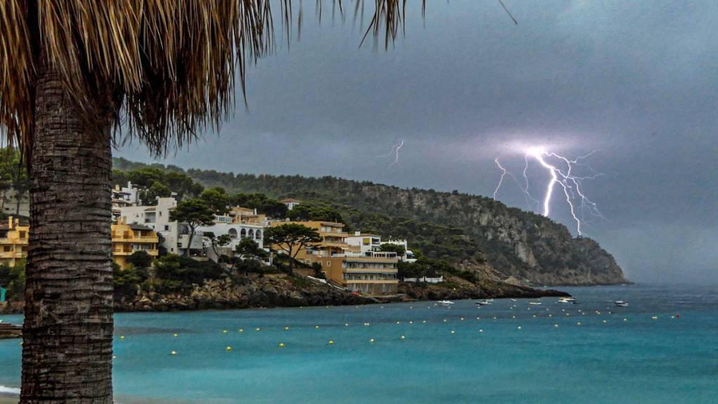Das Coronavirus traf den Tourismus in Spanien, besonders die beliebte Ferieninsel Mallorca. (Symbolbild)