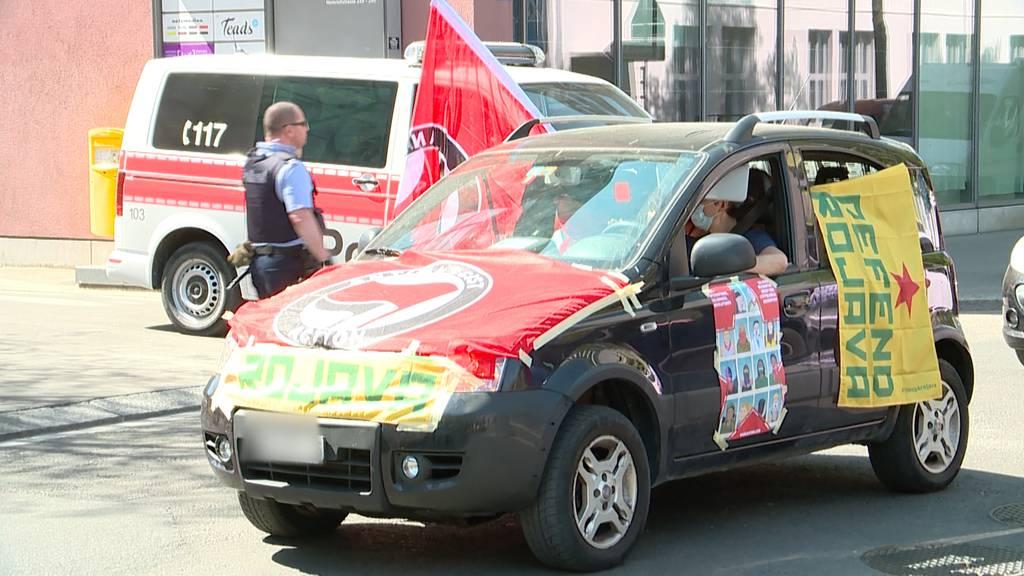 Zürich: Linksautonome Auto-Demo von Polizei gestoppt