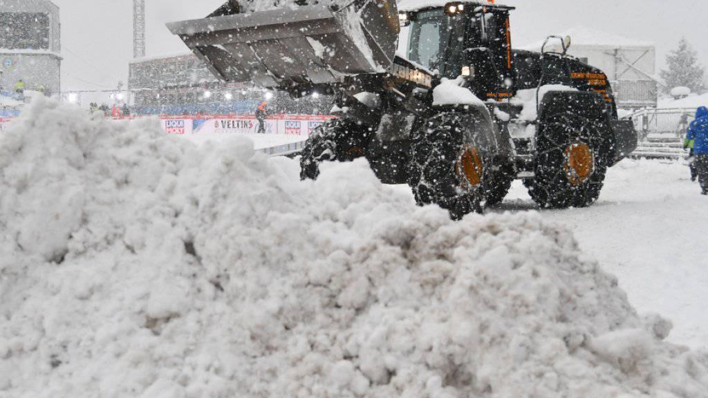 Zu viel Schnee - erneut kein Abfahrts-Training für die Frauen