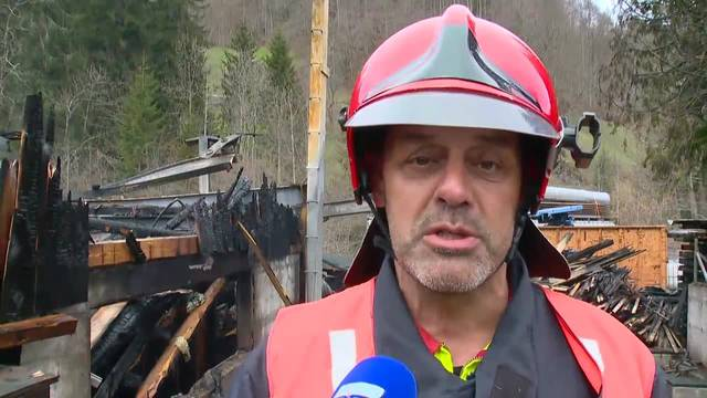 Interview und Bilder zum Brand in Vorderthal