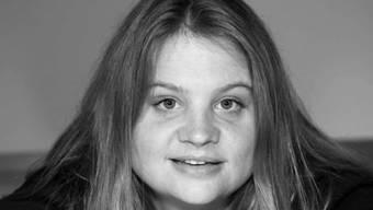 Sie sieht die Welt am liebsten durch die Linse - wie schon ihr Vater: die preisgekrönte Regisseurin Eva Vitija. (Pressebild)