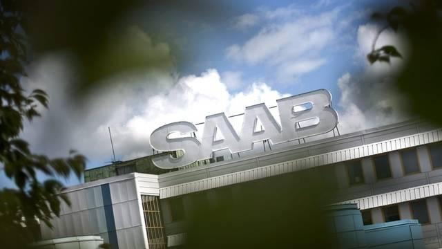Dunkle Wolken ziehen auf über dem Saab-Werk in Schweden (Symbolbild)