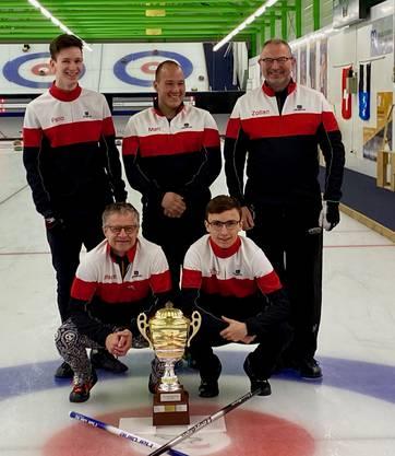 V.l.n.r. vorne: Marcel Bauman, Lorenz Brunner; hinten. Fabio Bosin, Marc Wagenseil und Skip Zoltan Librecz