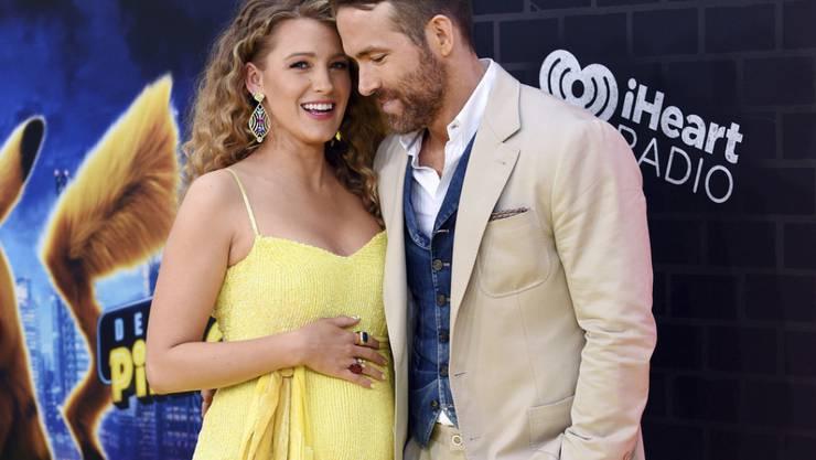 Es ist ziemlich eindeutig: Hollywood-Schauspielerpaar Blake Lively (links) und Ryan Reynolds werden zum dritten mal Eltern.