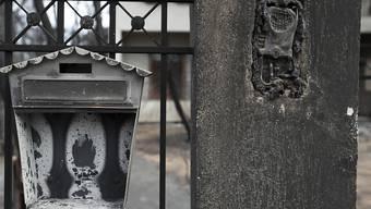 Brandschäden im Ort Mati in der Nähe von Athen. Die griechische Regierung will nun illegal erstellte Bauten abreissen lassen. (Archivbild)