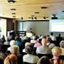 Ziel der gestrigen Mieterorientierung war es nach VR-Präsidentin Monika Fehlmanns Worten, «eine Brücke zu bauen zwischen den Mietern und dem Verwaltungsrat».
